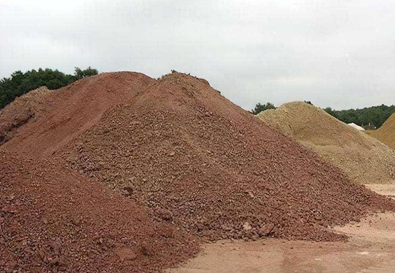 Слід внести глину для підвищення зв'язності грунтових частинок