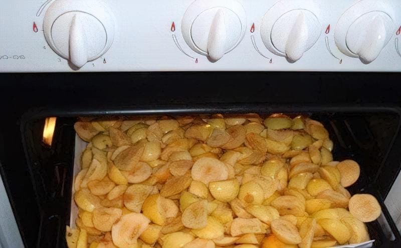 Сушіння яблук в духовці