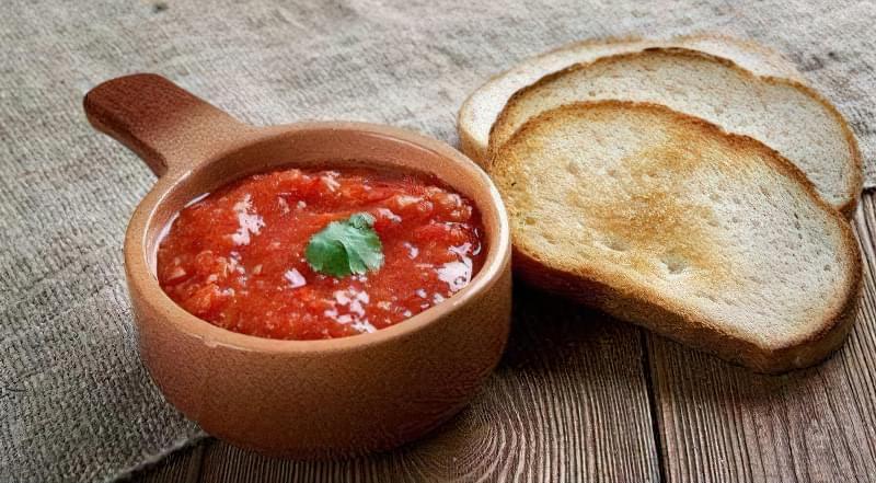9 рецептів смачної пекучої аджики на зиму 1