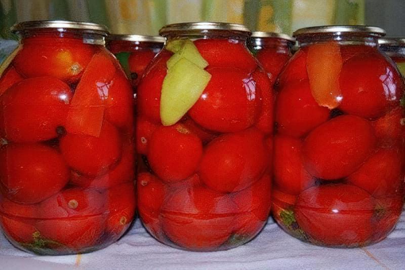 Рецепти приготування помідорів на зиму з добавками і без 1