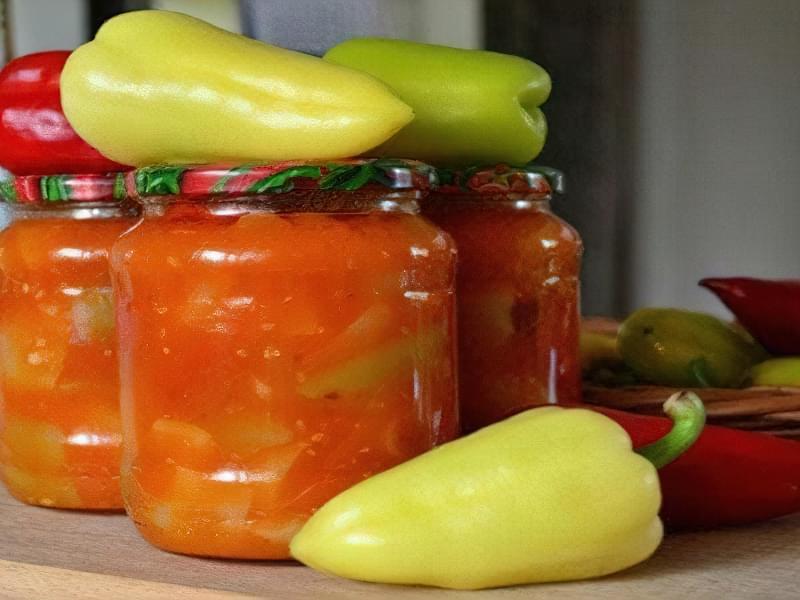 Перець в томатно-часниковою заливці