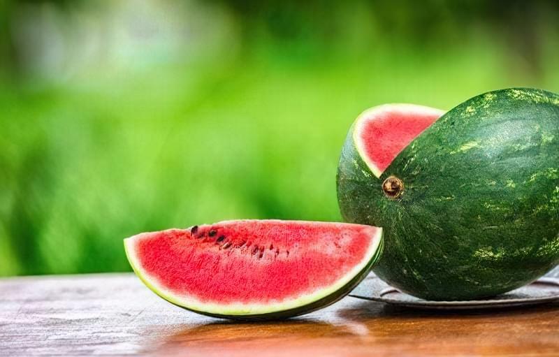 Зберігати потрібно лише цілі плоди