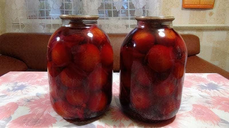Соління буряка без стерилізації з помідорами