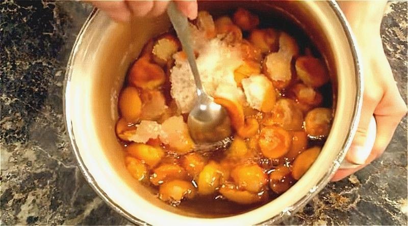 Варення з абрикосів без кісточок на зиму — смачні рецепти 3