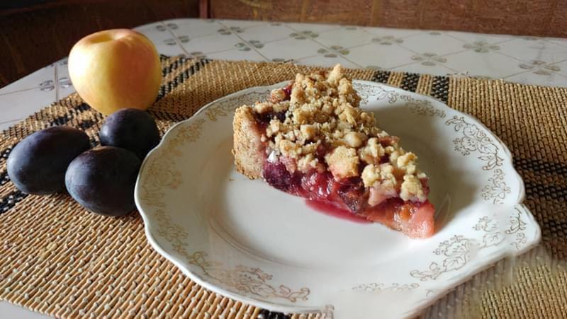 Пісочний пиріг зі сливами і яблуками 14