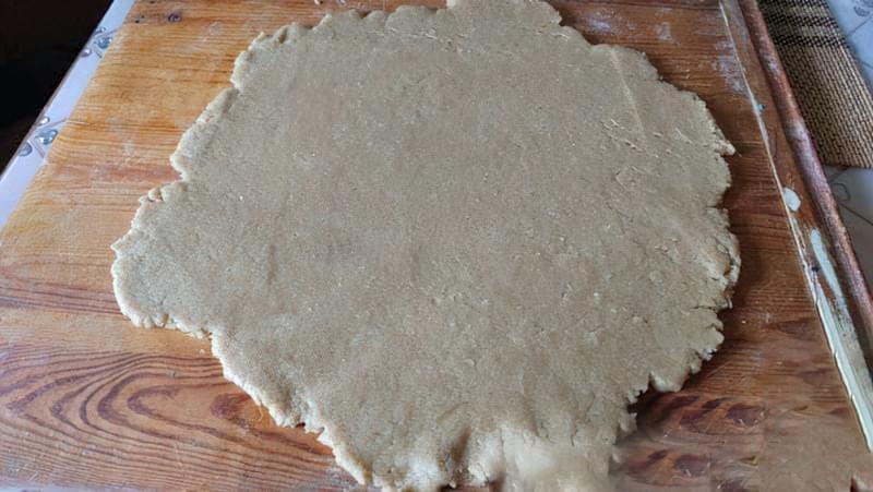Пісочний пиріг зі сливами і яблуками 8