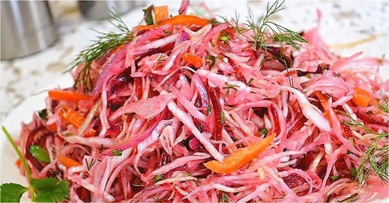 салат зі свіжої капусти та буряка