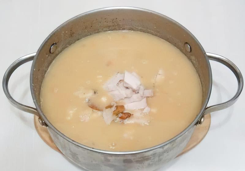 Густий гороховий суп зі свининою і копченою куркою 10