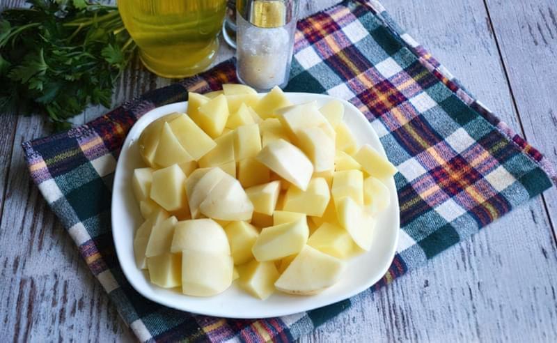 Картопля, тушкована зі стручковою квасолею і помідорами 5
