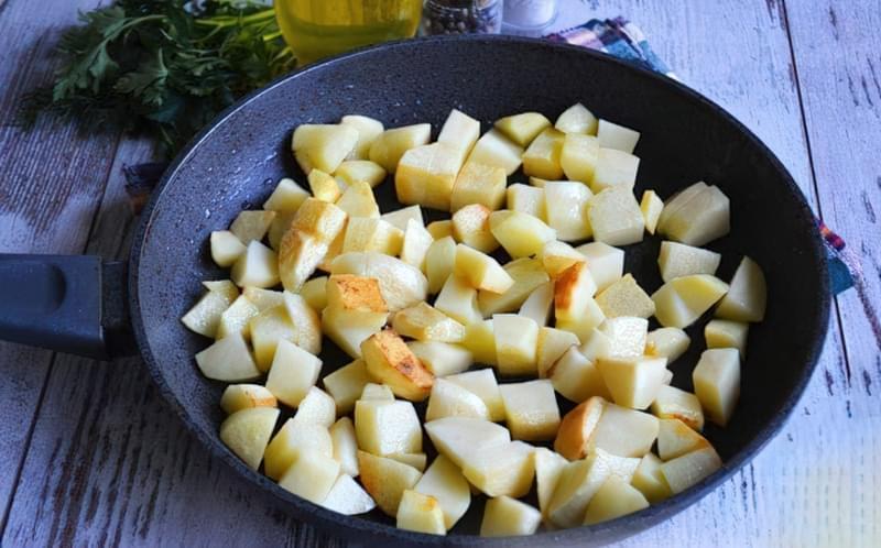 Картопля, тушкована зі стручковою квасолею і помідорами 6