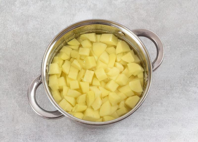 Картопляна запіканка з вареним м'ясом 5