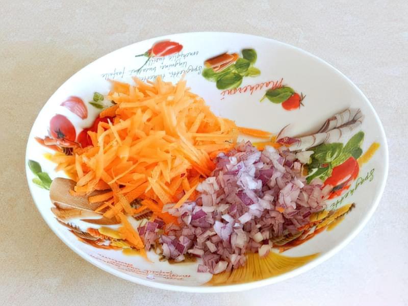 Салат з квасолі з яблуком, морквою і яйцями 2