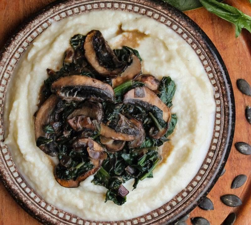 Свіжі овочі, коренеплоди і нежирне м'ясо збалансують пюре з цвітної капусти