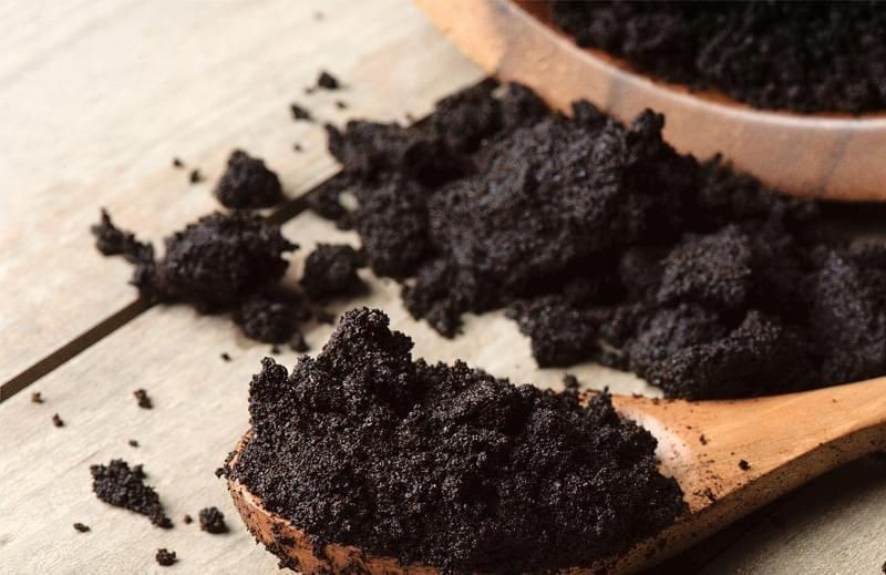 Як можна використовувати кавову гущу в саду і на городі 1